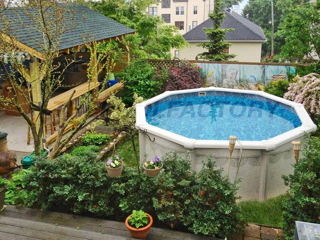 Hampton swimming pool gallery the pool factory for Above ground pool landscaping ideas australia
