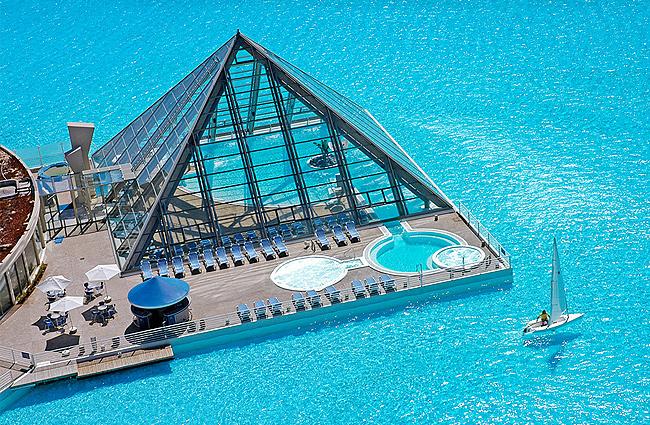 Interesting Swimming Pools #1