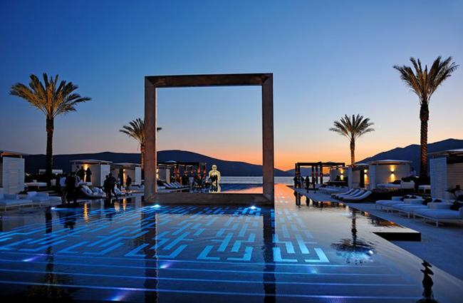 Interesting Swimming Pools #10