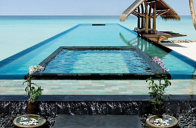 interesting-swimming-pools-16