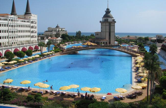 interesting-swimming-pools-18