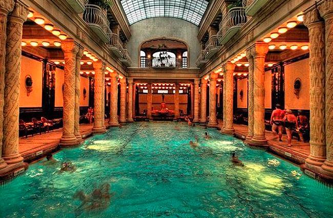 interesting-swimming-pools-34