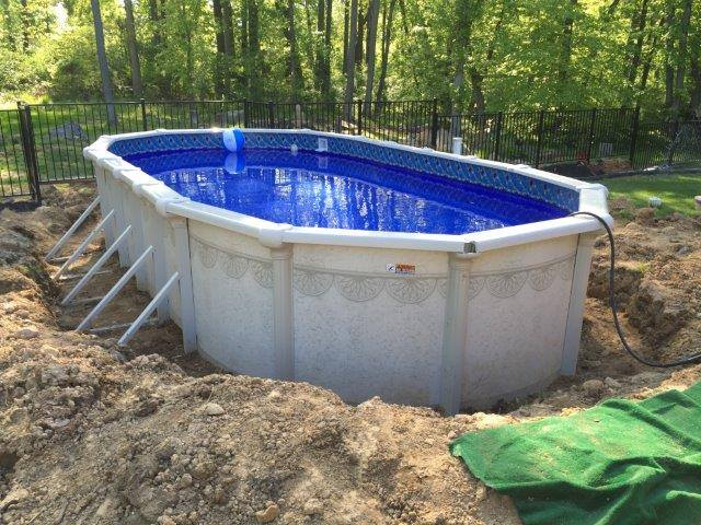 Buttress vs buttress free oval swimming pools for Above ground pool decks for sale