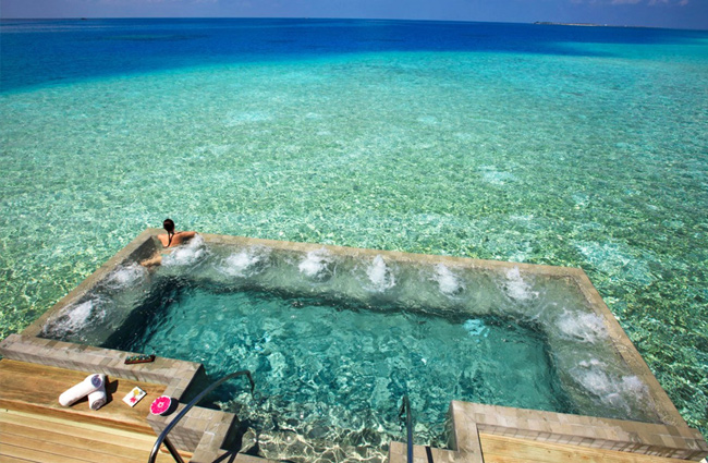 35 Most Interesting Pools In The World - Unusual-swimming-pools-around-the-world